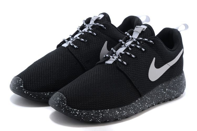 billig nike roshe run schwarz wei trainer schuhe. Black Bedroom Furniture Sets. Home Design Ideas