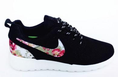 Nike Roshe Run Trainer Lovers Schwarz / Blumen druck