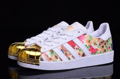 Adidas Superstar 80er Metal Toe weiß / gold / Blumen muster Trainer