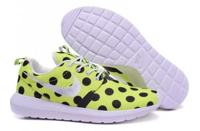 Nike Roshe Run Gelb / Schwarze Punkte / Weiß für damen sneakers