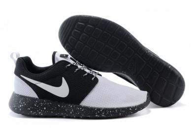Nike Roshe Run Weiß / schwarz-Trainer-schuhe