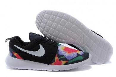 Nike Roshe Run Trainer Lovers Schwarz / Weiß / Blumen -Druck